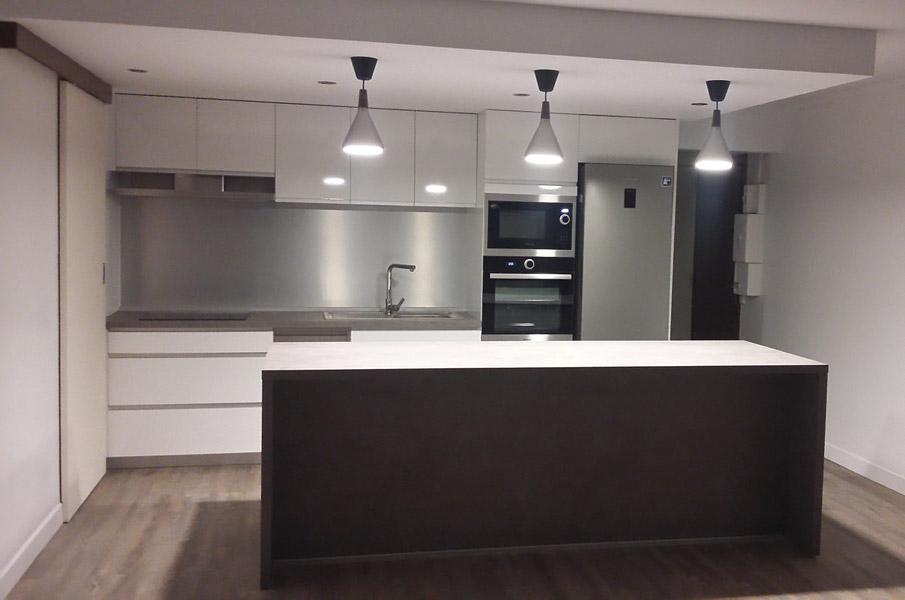 https://www.a-mn-architecture-guadeloupe.com/images/services/amenagement-interieur-cuisine-michael-naejus-architecte-guadeloupe.jpg